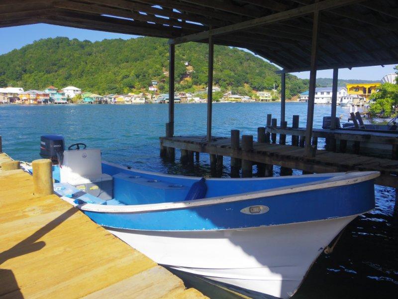 reef-house-roatan-boat-house