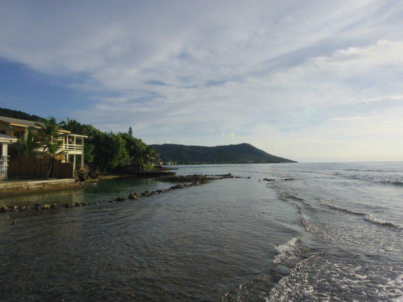 reef-house-roatan-view-east